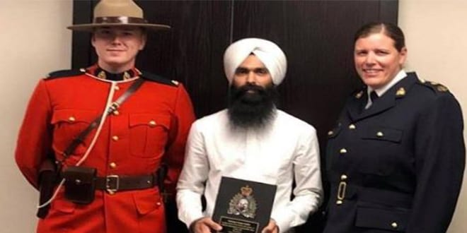 Sikh Man Saved Life with His Turban, Honored In RCMP